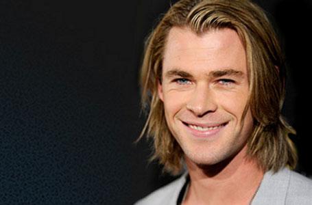 мужская прическа классический стиль с длинными волосами фото